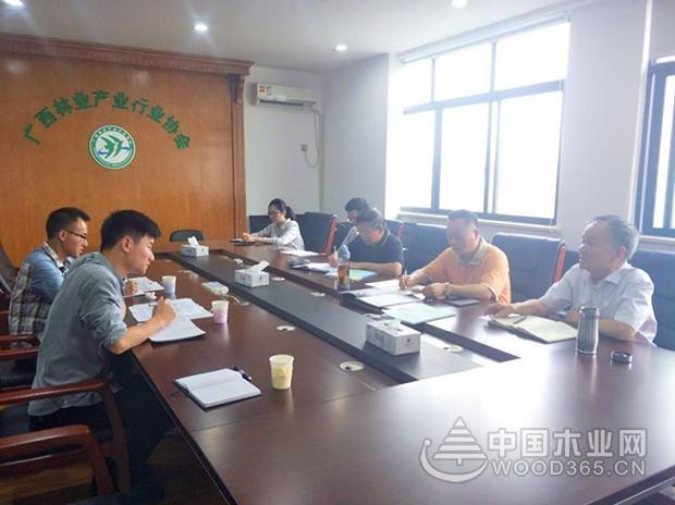 2017年广西人造板总产量4200万立方