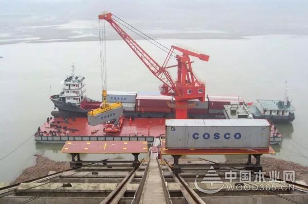 中国西部木材贸易港重庆佛耳岩港二期工程竣工