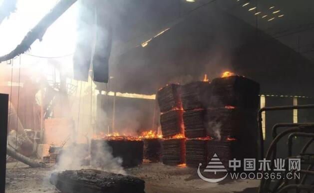 突发!融安一木材加工厂燃起熊熊大火
