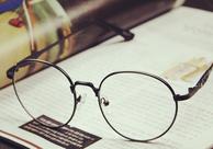 网购的板材金属眼镜架是什么?