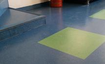 合成胶才能生产橡胶地板吗?