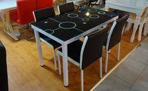 不锈钢餐桌椅好不好?