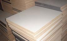 衣柜选用多层板和颗粒板的区别