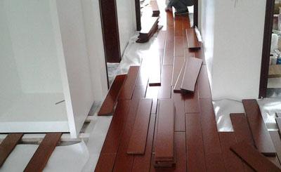 同款木地板铺装差异的原因