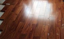 如何进行区分花梨木地板和亚花梨地板?