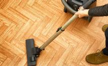 实木地板用哪种吸尘器好?