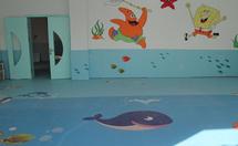 如何挑选幼儿园地板,幼儿园塑胶地板保养方法