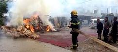 湖南一<font color=#FF0000>木材厂</font>锯木粉起火 无人员伤亡
