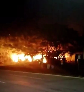 廣東肇慶家具廠突發大火,損失慘重!