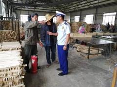 黑龙江富锦大队全面做好澳门英皇注册平台加工企业火灾防范工作