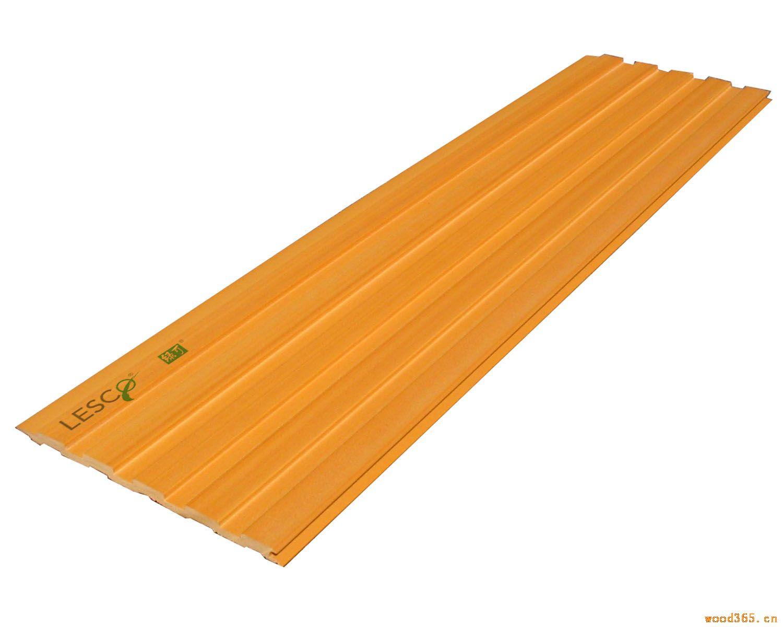 该产品按施工分类主要分为直接胶贴法、下挂板龙骨装饰法、(铝)铁合金方通装饰法三种。适用于建筑内墙隔断等户内及水环境中使用。拥有天然木材的温和质感和纹理,绝无进行表面的贴皮、印刷、复合等,适应于再加工,而且在二次加工方面,与木材一样,可打钉、可拧钻、可刨,可上油漆,可用胶水粘接。