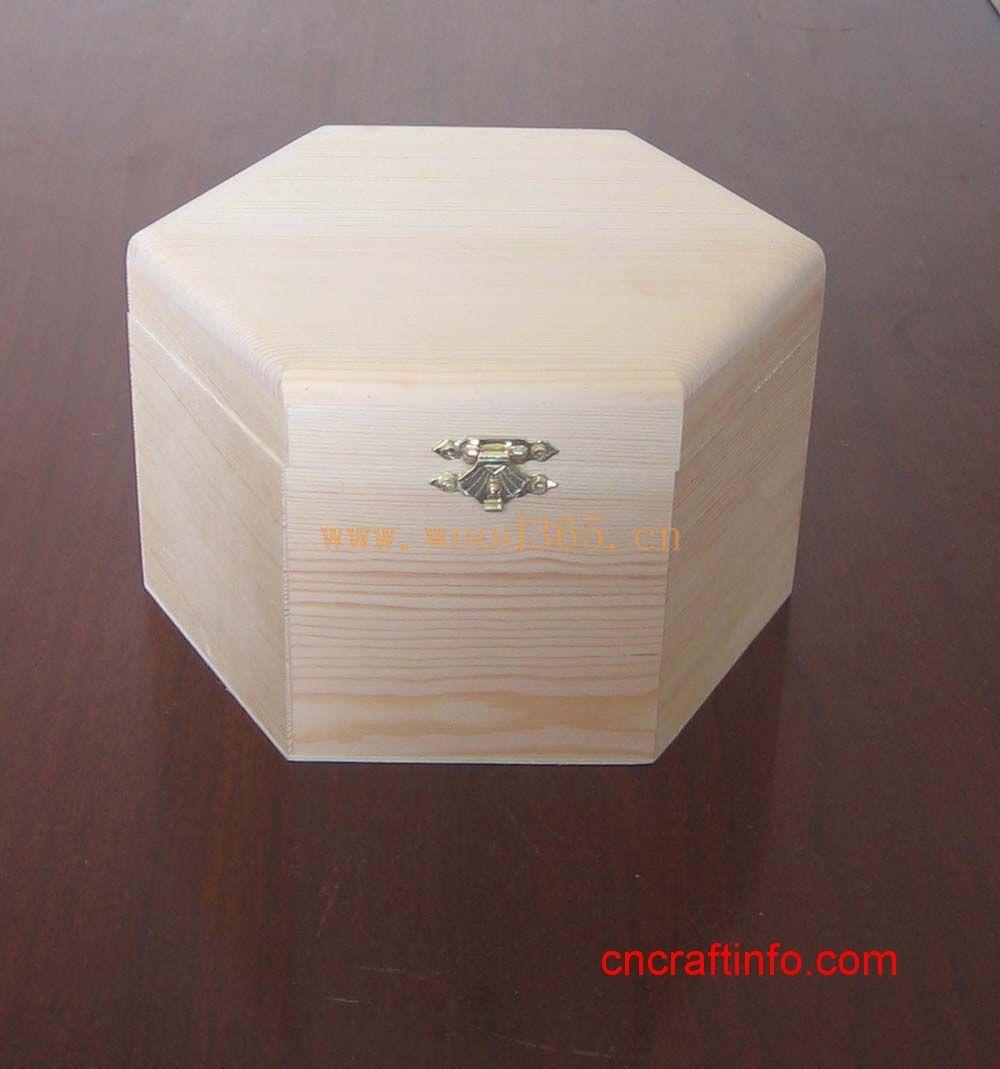 山东菏泽英杰木制工艺品厂的主要生产,木制茶叶盒,高档木制酒盒,红酒包装盒,木制工艺品,高档木制装饰盒,松木盒,桐木盒等。内部控制质量,可来样订做,可根据图纸照片或相关资料生产,可根据客人提供要求来设计制作!公司讲究薄利多销,质量可靠价格低,欢迎新老朋友前来询问洽谈! 我们坚信,诚信的服务、最好的质量、创新的设计及有竞争力的价格是我们赢得市场的基础。愿以此为平台,广交海内外朋友 手机13561348511 网址www.