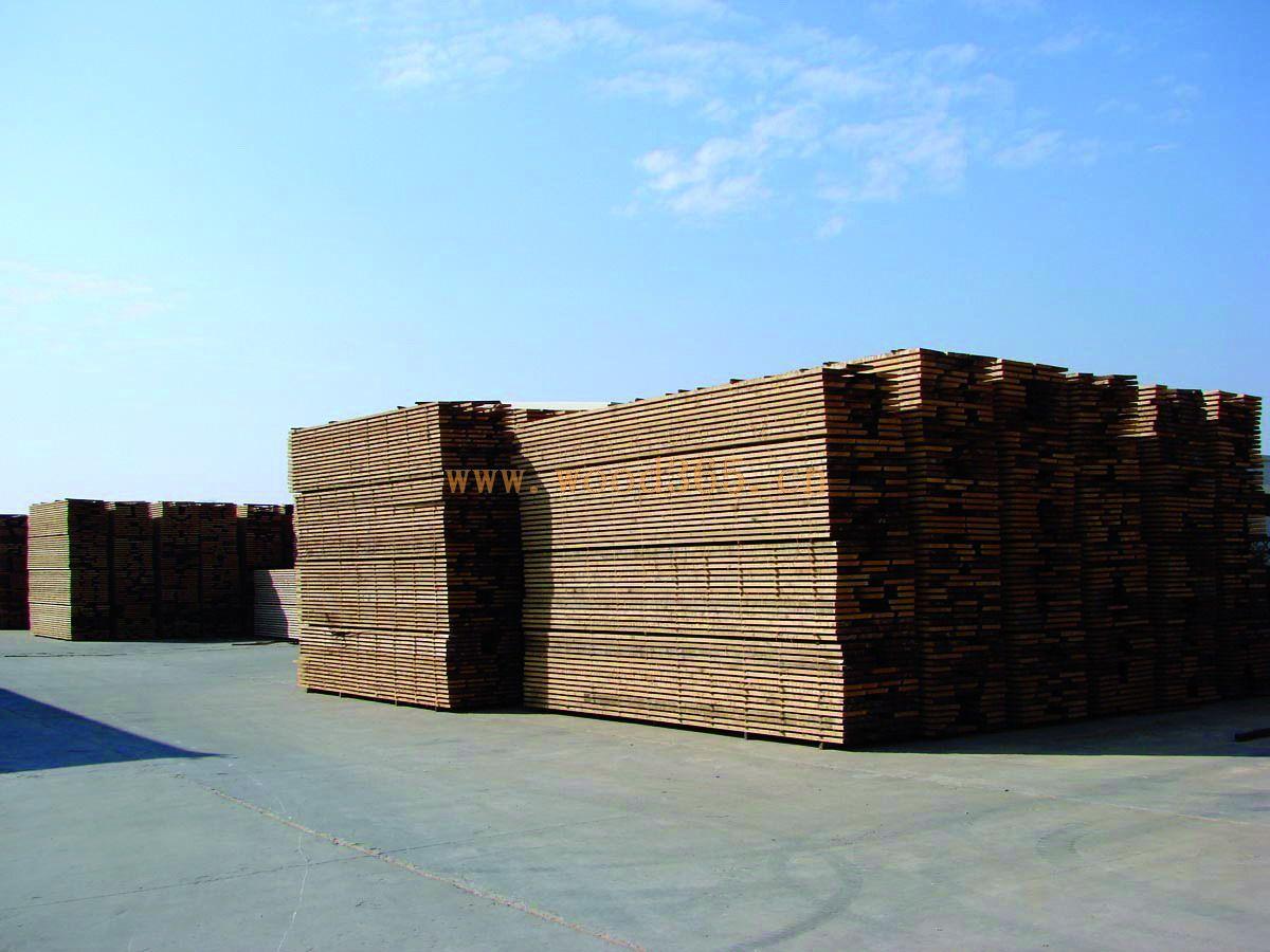 刨花板 熊美华木材加工厂