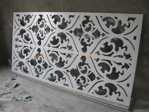 从事屏风,隔断,仿古窗花,中欧式花格,酒店装饰雕花的加工生产以及pvc