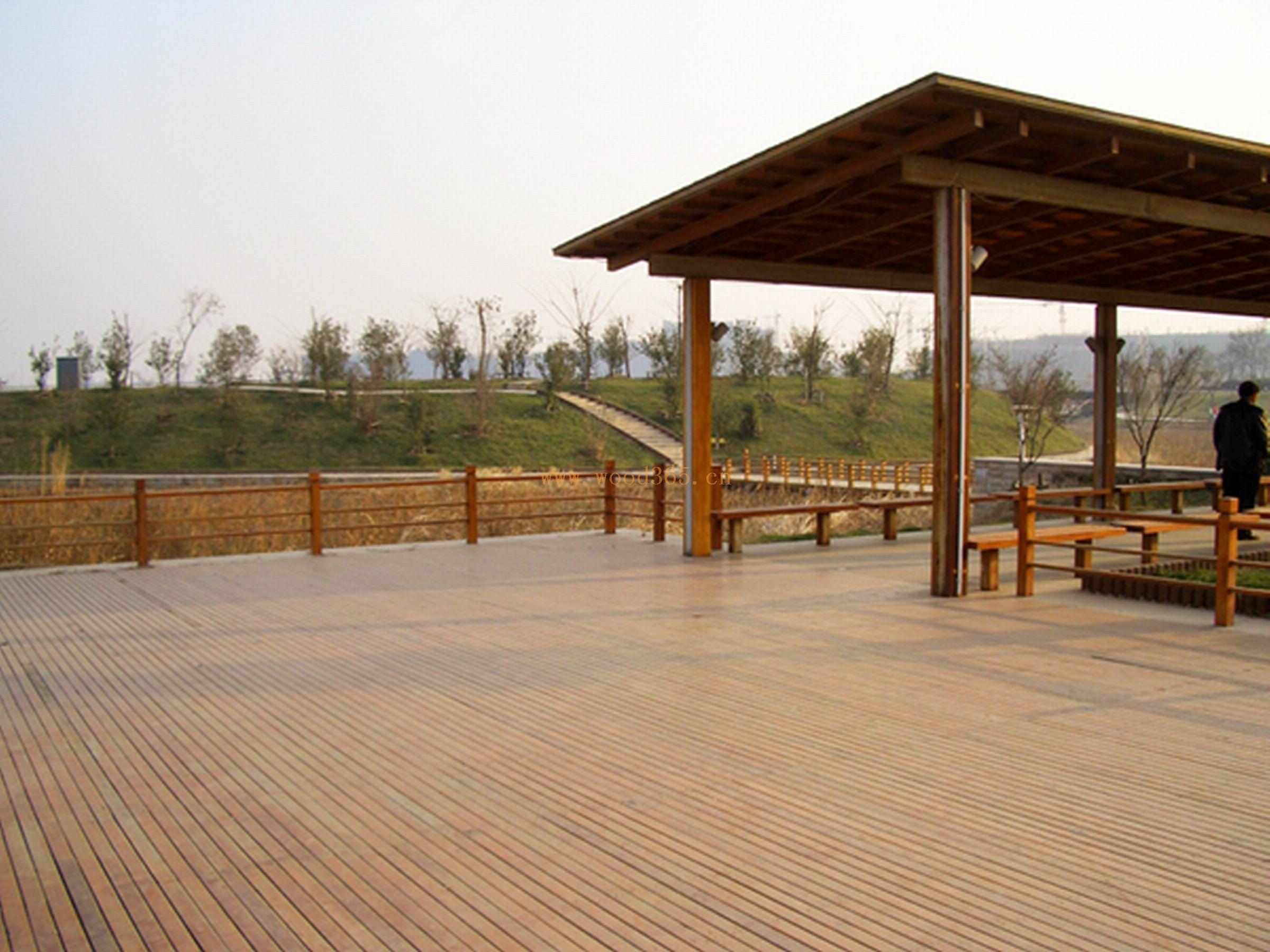 专业承接:各种室外木制品:户外防腐实木地板,外墙板,木