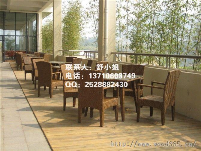 咸宁防腐木桌椅 赤壁山樟木户外木制桌椅 随州广场商业街休闲桌椅