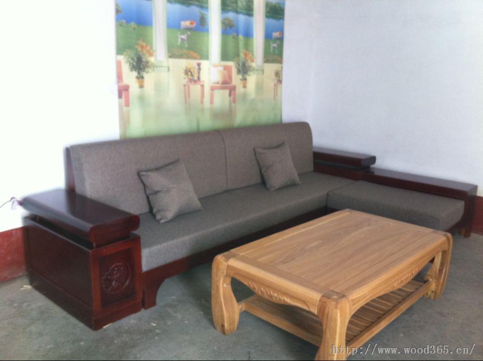 有储物空间,实木沙发采用水曲柳优质木材,制作工艺精良.