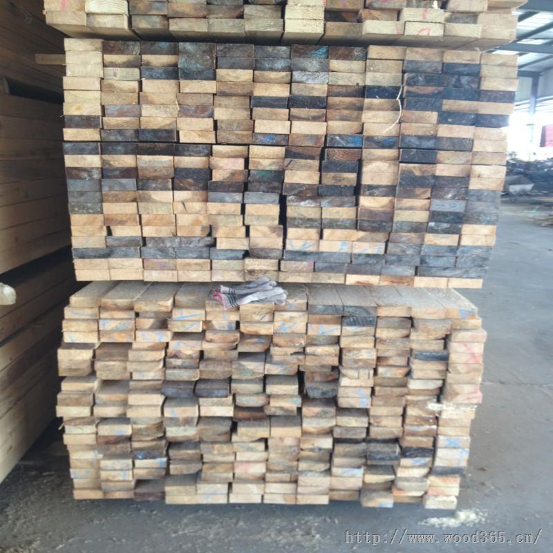铁杉太仓陆林木材加工厂24小时业务热线:180-1271-5055 185-1619-6808   铁杉主营品种:花旗松,辐射松,铁杉,樟子松,落叶松,白松,云杉,智利松,南方松,等松木等原木材;产品主要销往全国各地工业发达地区,是上海一家集生产,制造,销售于一体的企业;专注于加工板材、加工木方、加工防腐木、加工炭化木、进口板材批发等项目。   铁杉板材概念   一、进口板材必须是全起边,没有豁皮;   二、供应板材的计量单位是体积为立方米,尺寸为毫米;   三、铁杉烘干板钩状弯曲、S型弯曲、凹曲、末端