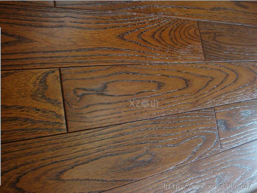 新振泰山家装建材 纯实木地板 金刚柚木 仿古拉丝浮雕