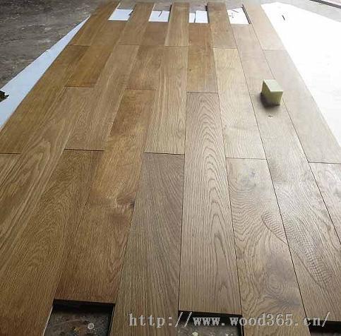 烟熏木地板厂家,橡木烟熏多层地板,白橡木实木复合地板