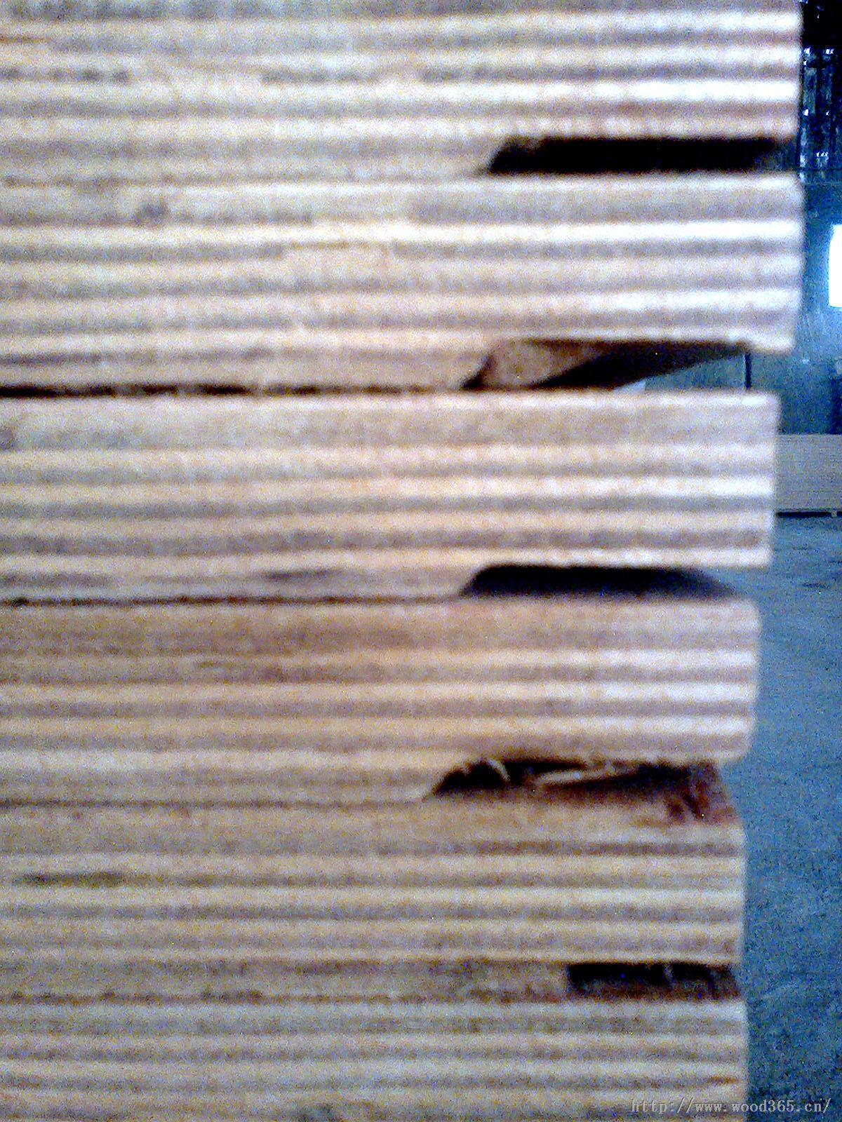 集装箱底板