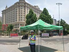 千山公益在行动:烈日下的清凉,千山为交警送遮阳伞