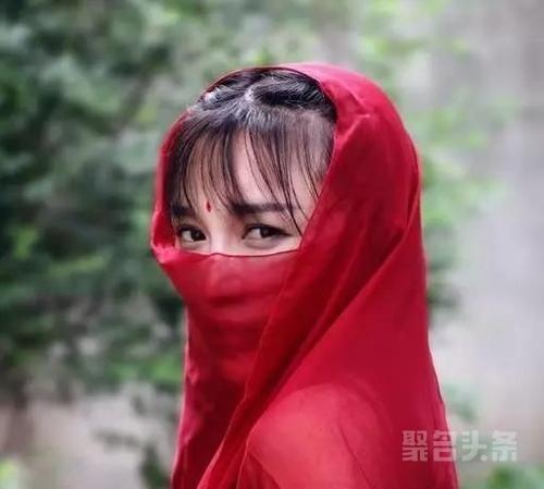 """李子�I 柒的创业之路:普通农家女逆袭为""""美食网红""""的故事!"""