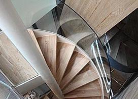 大户型简约风格装修旋转楼梯设计