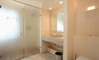 卫生间玻璃隔断价格和优点
