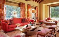 红色家具如何与窗帘等家饰搭配
