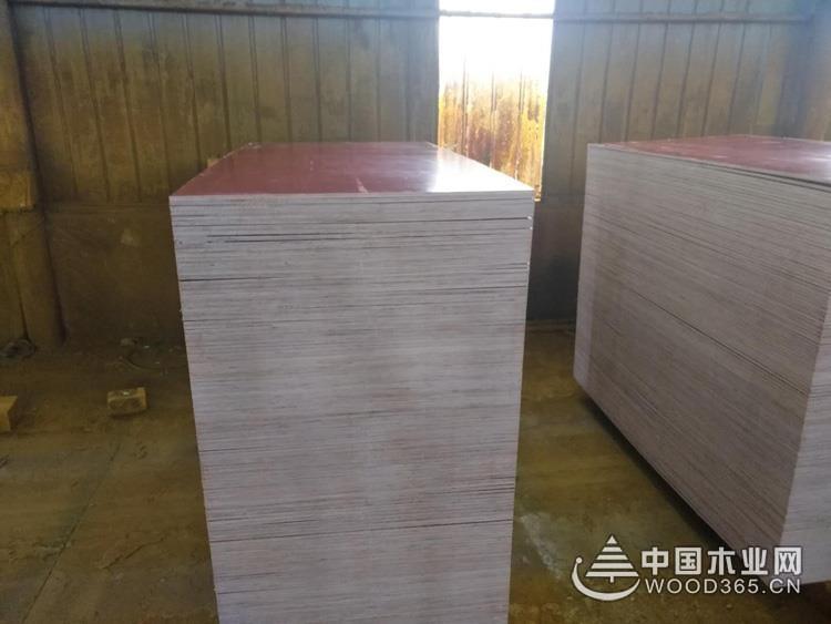 鹏森缘板材告诉�|你,什么是覆膜胶合板,特点√有哪些?