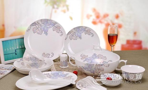 如何选购陶瓷餐具?陶瓷餐具使用注意事项有哪些?