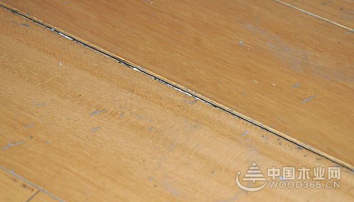 家装木地板崩边怎么处理