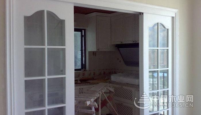 家装厨房门选哪种材质好?