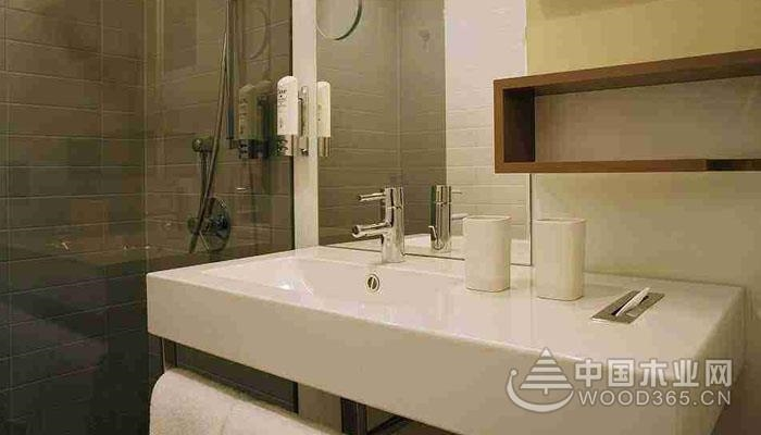 卫生间台盆柜哪种材质好?