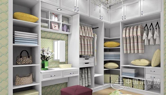 定制衣柜格局应如何设计