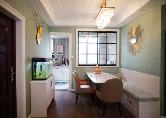 绿色∑壁纸加白色家具,新美式����身上都散�l著�⒎ブ��庾靶藓芮逍�