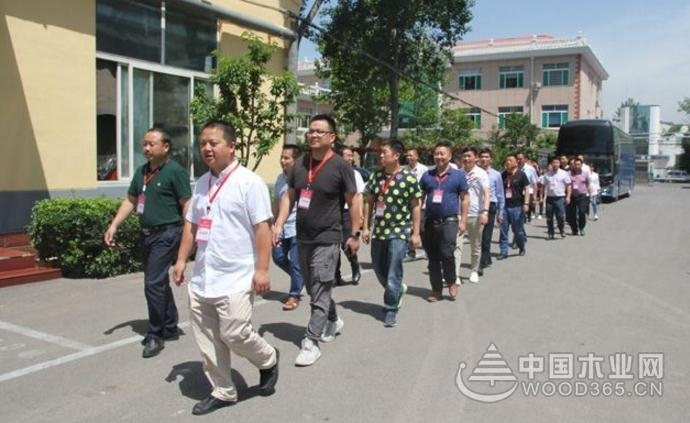 重庆木门及定制企业再次走进山东考察