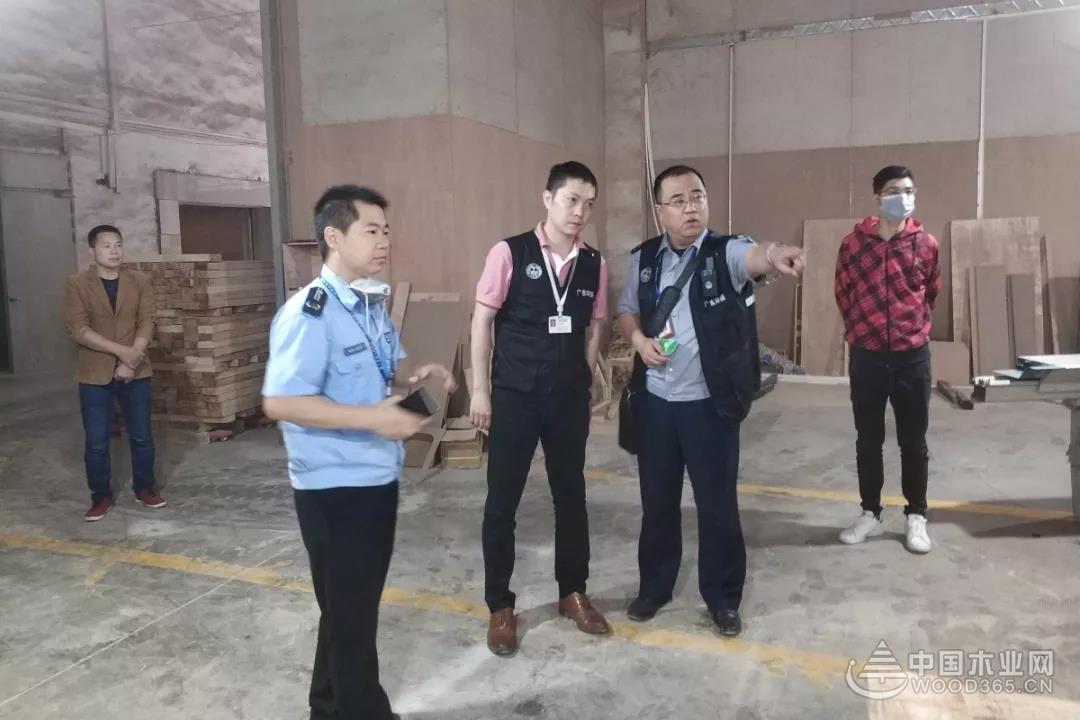 顺德龙江多部门联合对家具企业进行安全检查