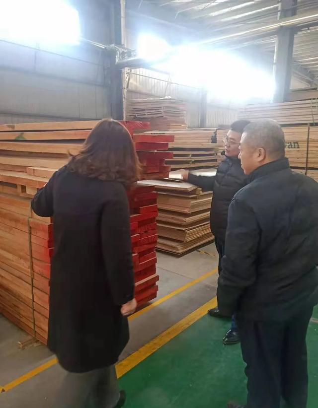 山东禹城对重点木制加工企业开展安全检查
