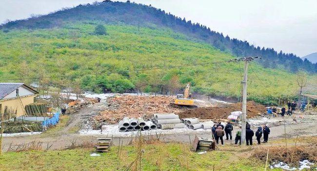 非法占用土地!贵州正安一木材加工厂依法强制拆除!