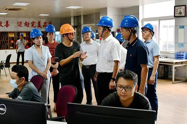 莆田秀屿区领导带队赴木材加工区开展专题调研