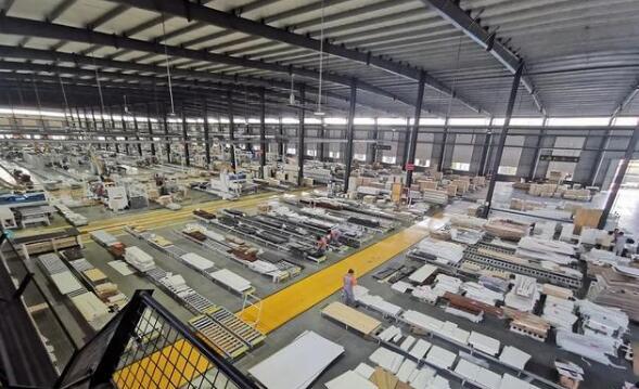 山东费县木业优势渐显 1-6月税收17.6亿元