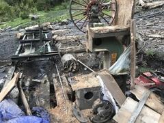 新龍縣森林公安局搗毀兩處非法加工木材點