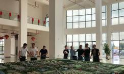 广东客商考察平南临江工业园林产品加工木业园区
