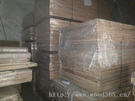 大量供应红橡、黑胡桃、奥古曼、白蜡、枫木、榉木、樱桃木指接和直拼板材以及立柱