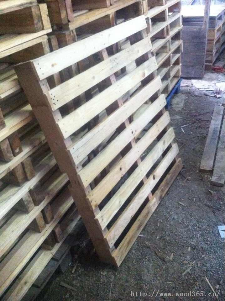 福清木栈板厂家大批量生产仓库防潮木栈板,防水木栈板,堆垛货物专用木栈板