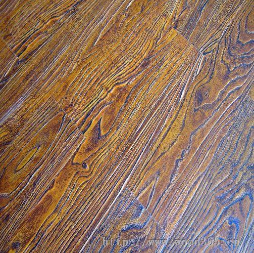强化地板安装简便