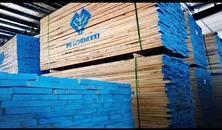 美质优木供应轻奢高档金翅实木板材,木线条,木门板材